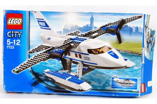 LEGO: Original Lego City set 7723 Police Seaplane  Within he
