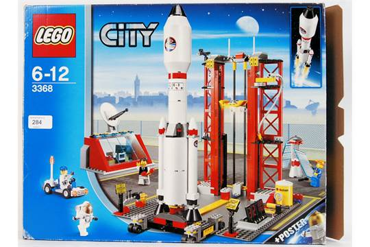 Lego Space Centre Lego Set 3368 Believed Complete And Part Built