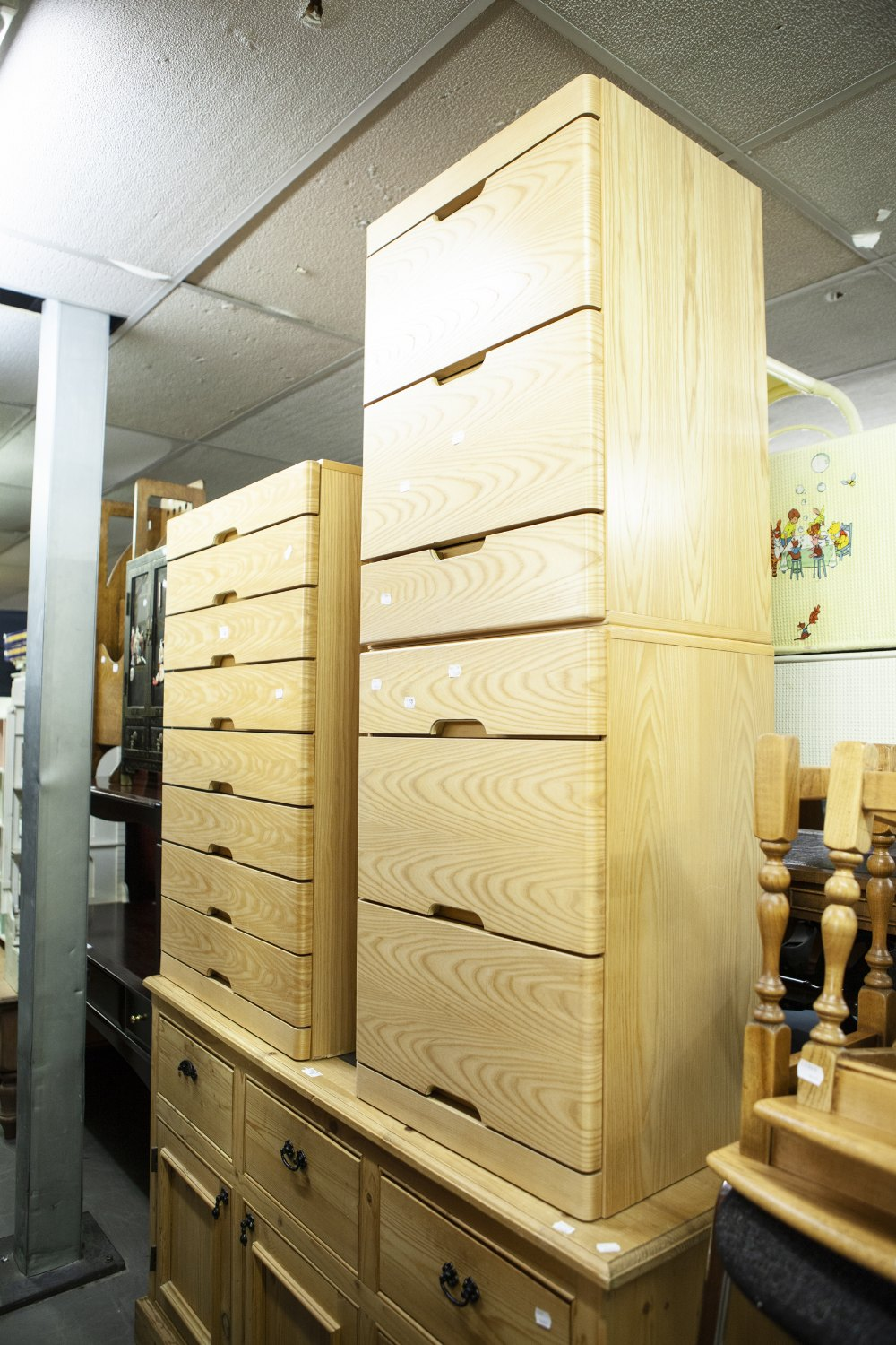 Lot 12 - MODERN CHEST OF EIGHT DRAWERS AND TWO MATCHING CHESTS OF THREE DRAWERS
