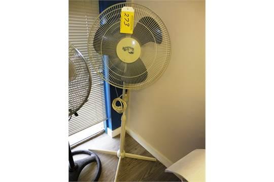 choice of lots 270 271 272 273 hampton bay pedestal fan