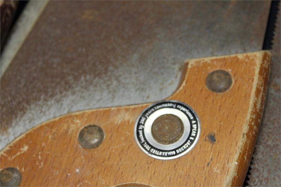 Lot 34 - Five vintage saws some spear and jackson