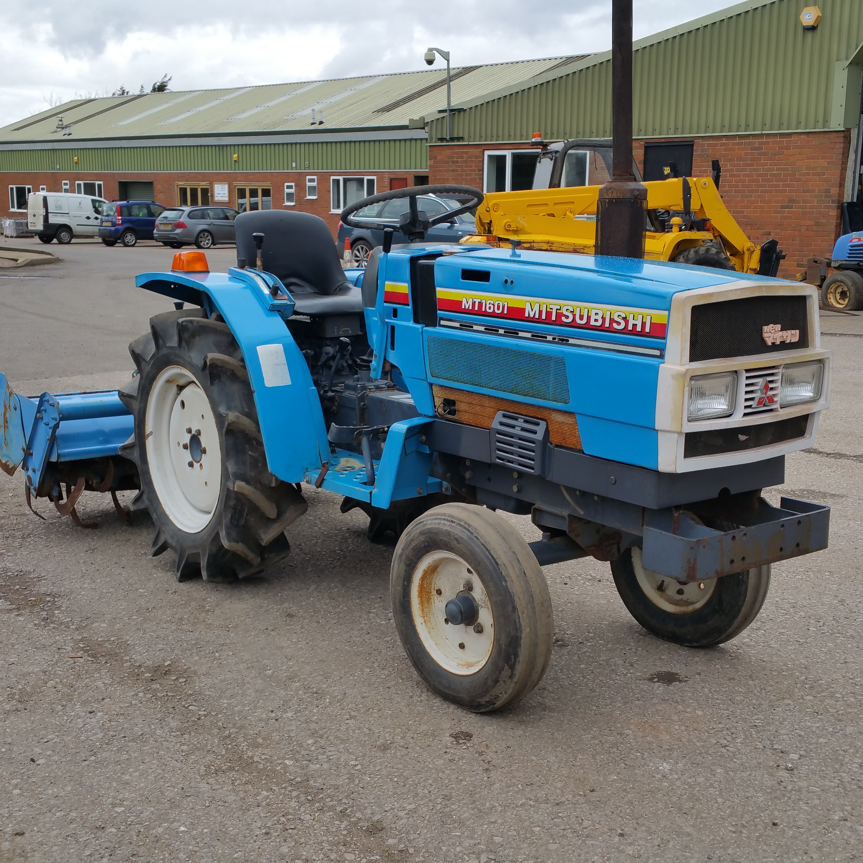 Mitsubishi Compact Tractors : Mitsubishi mt compact tractor hours cylinder