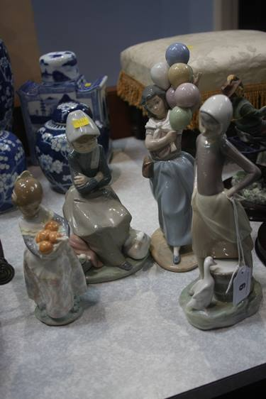 Lot 6 - Four Lladro figures