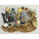 ASSORTED COSTUME & DRESS JEWELLERY to include Whiting & Davis plated mesh neckerchief and