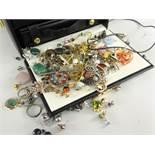 ASSORTED COSTUME & DRESS JEWELLERY to include mircro-mosaic brooch, earrings, rings, pendants,