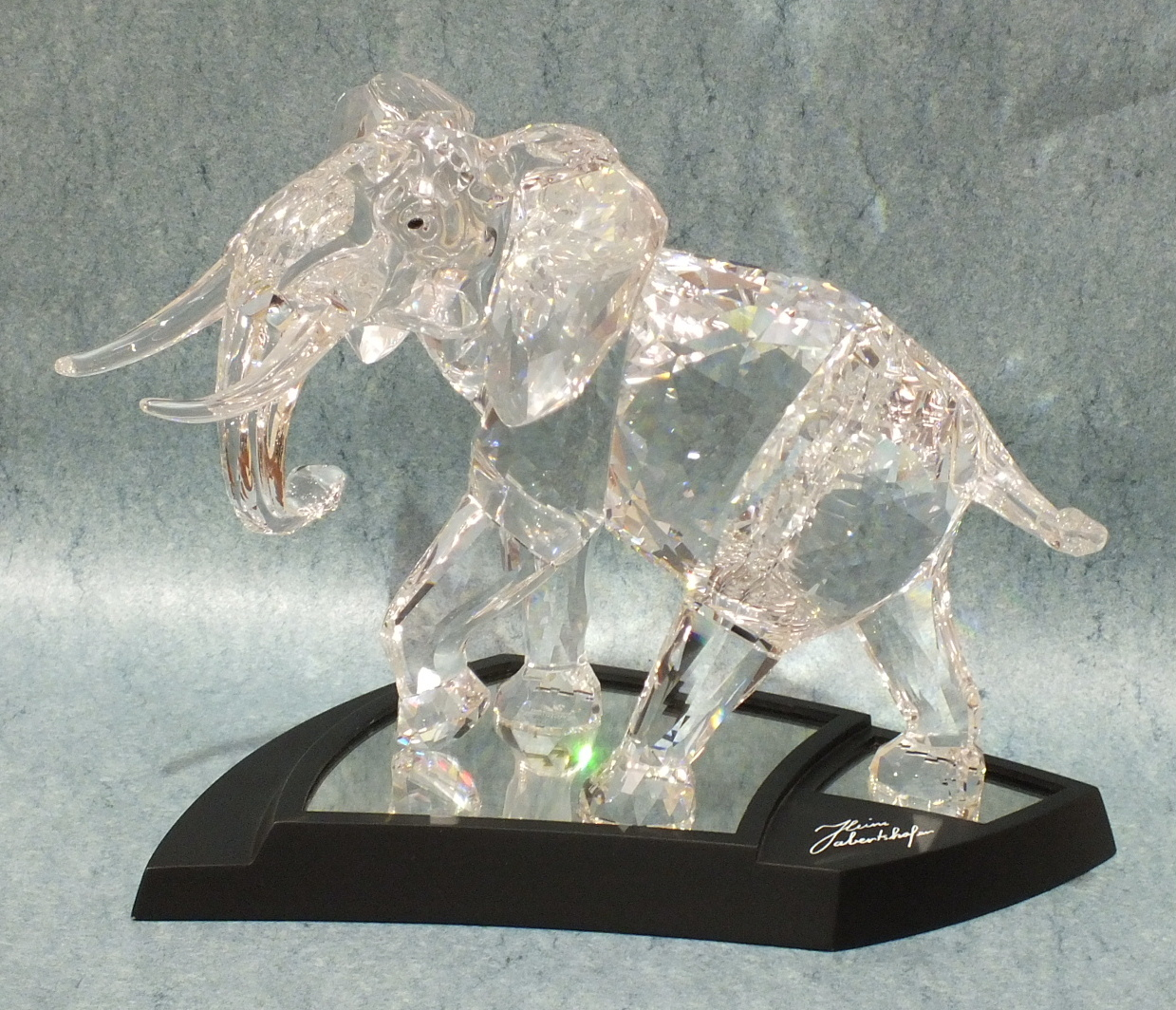 Lot 179 - A Swarovski Limited Edition crystal figure 'Elephant', date 2006, designed by Heinz Tabertshofer,
