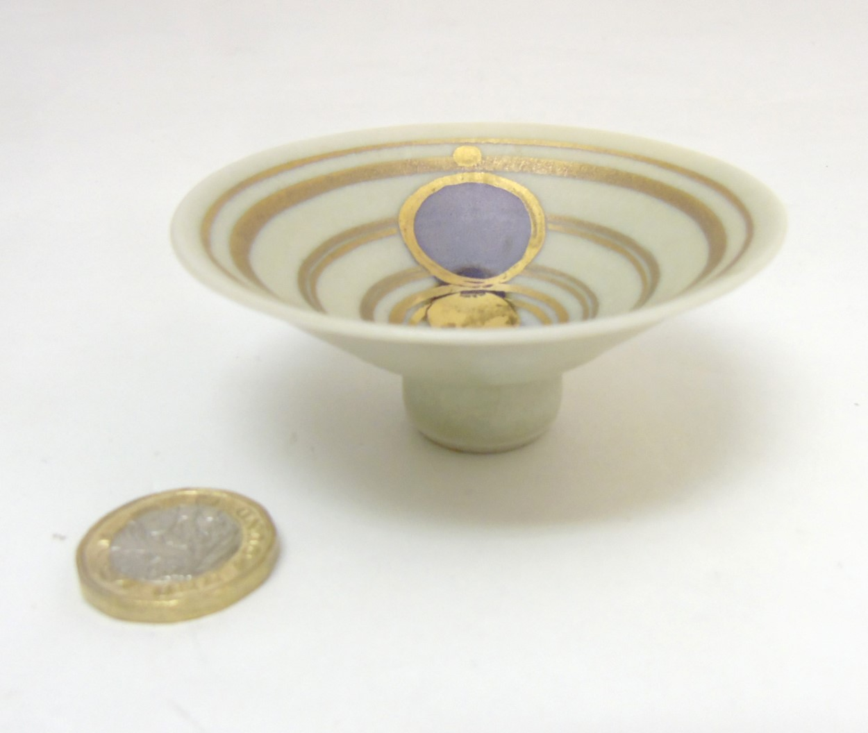 Lot 67 - Studio Pottery: A small apsed bowl by Glynn Hugo,