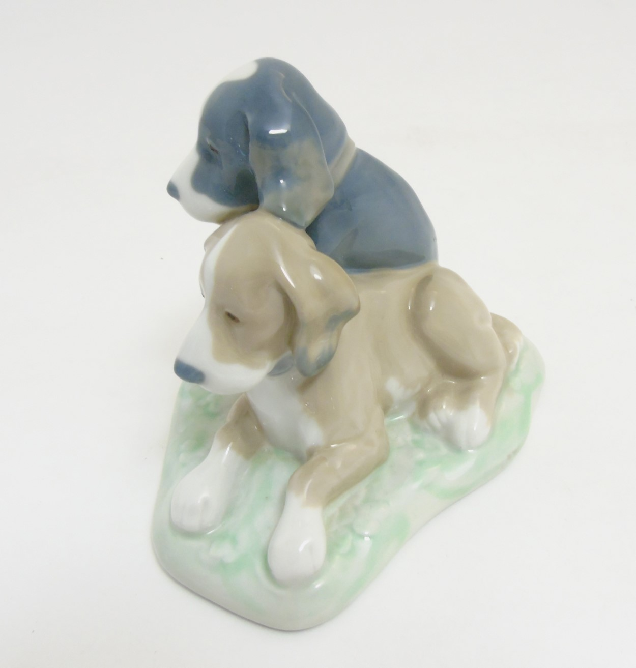 Lot 76 - A Lladro 'Nao' figurine of two dogs, makers mark to base,