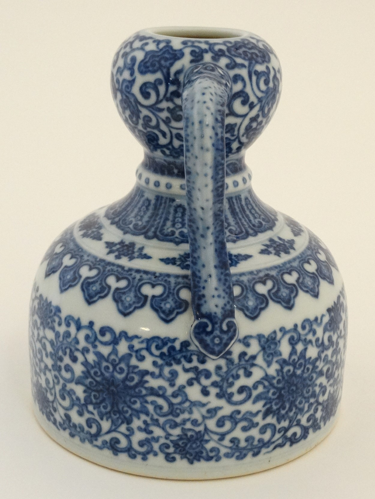 Lot 15 - A Chinese blue and white,