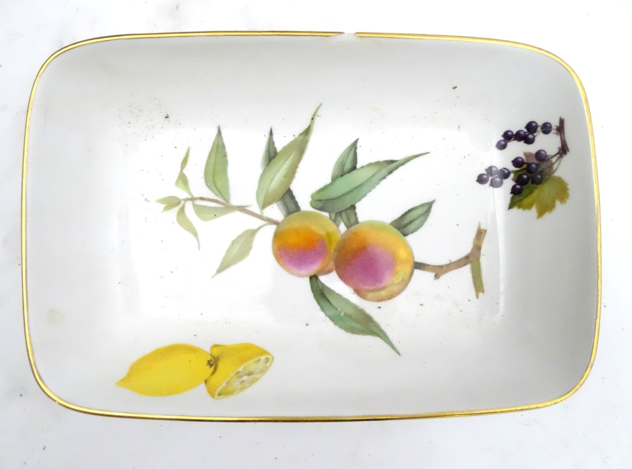 Lot 85 - An extensive collection of assorted Royal Worcester Evesham dinner wares to include, tureens,