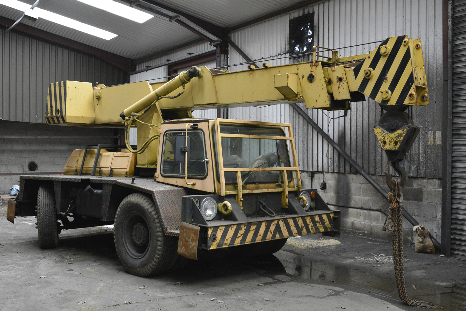 Telescopic Slewing Crane : Coles iron fairy diesel crane with telescopic slewing boom