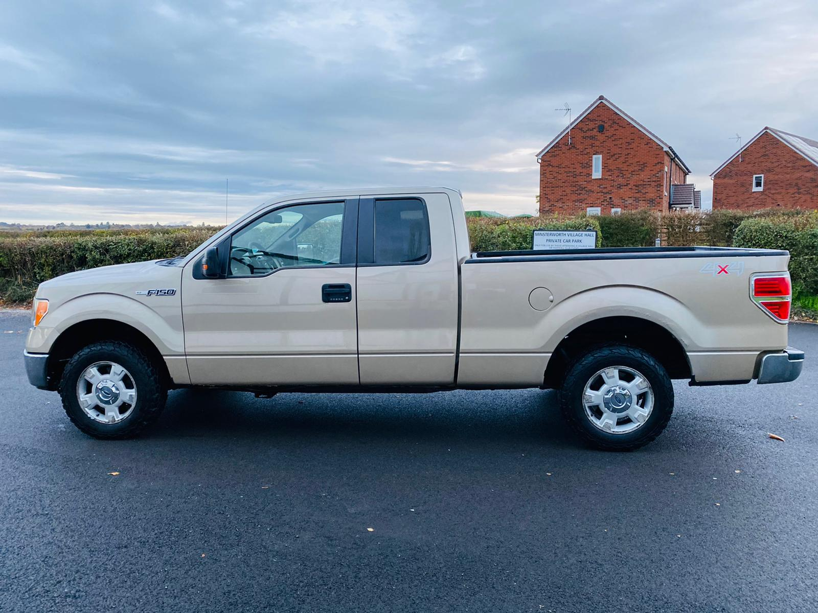 (RESERVE MET) Ford F-150 XLT 4.6L V8 Supercab - 2010 Year - 6 Seats - Fresh Imports - Image 13 of 39