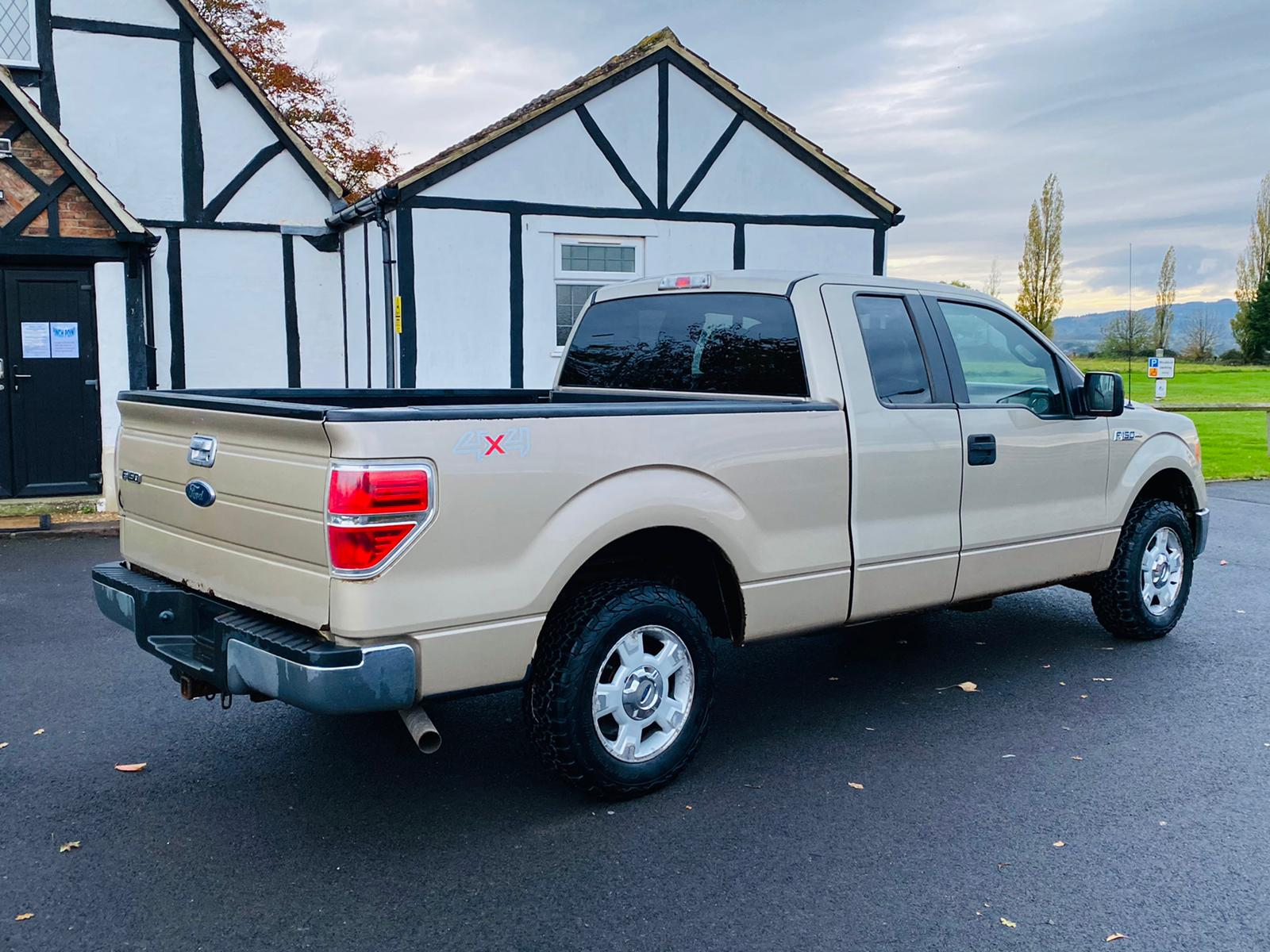 (RESERVE MET) Ford F-150 XLT 4.6L V8 Supercab - 2010 Year - 6 Seats - Fresh Imports - Image 8 of 39