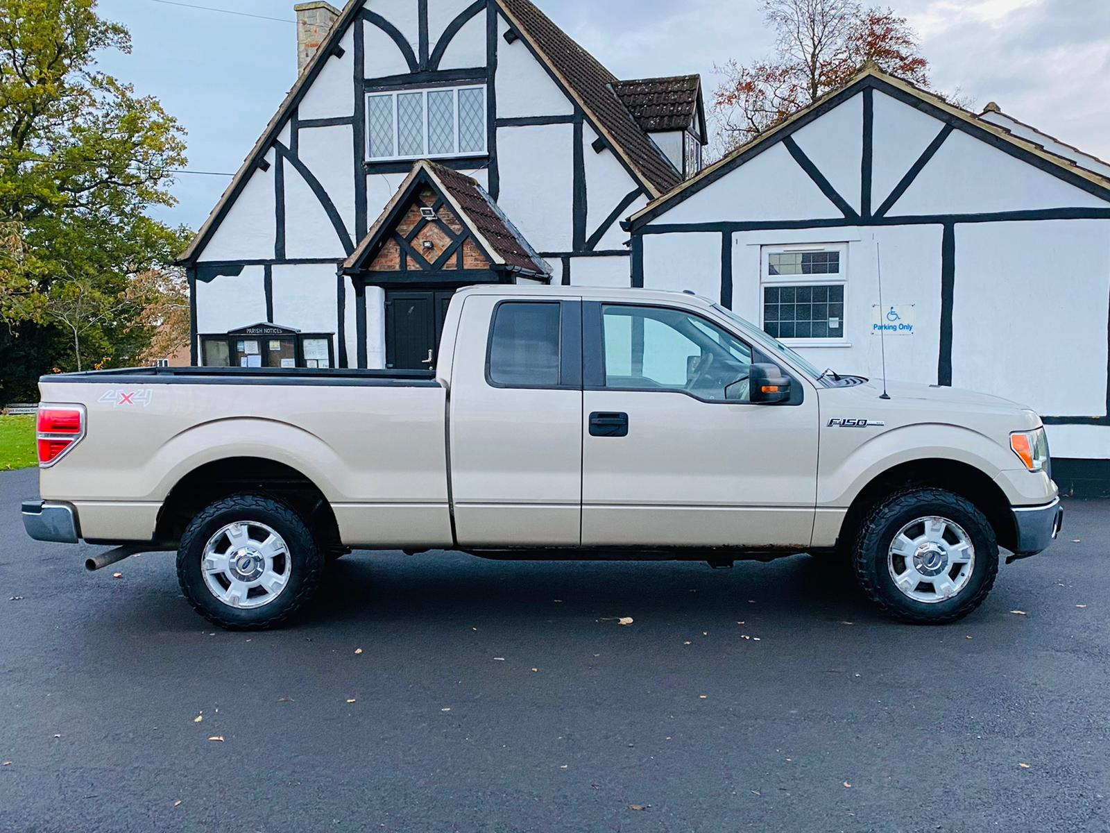 (RESERVE MET) Ford F-150 XLT 4.6L V8 Supercab - 2010 Year - 6 Seats - Fresh Imports - Image 7 of 39