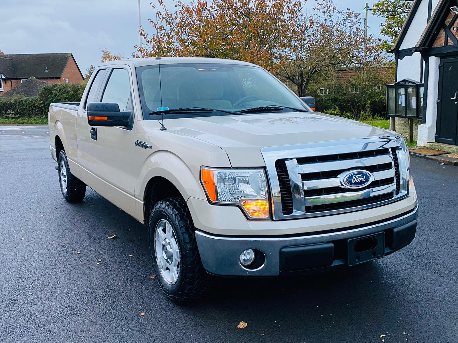 (RESERVE MET) Ford F-150 XLT 4.6L V8 Supercab - 2010 Year - 6 Seats - Fresh Imports - Image 11 of 39