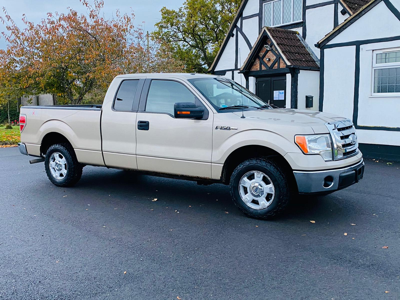 (RESERVE MET) Ford F-150 XLT 4.6L V8 Supercab - 2010 Year - 6 Seats - Fresh Imports - Image 12 of 39