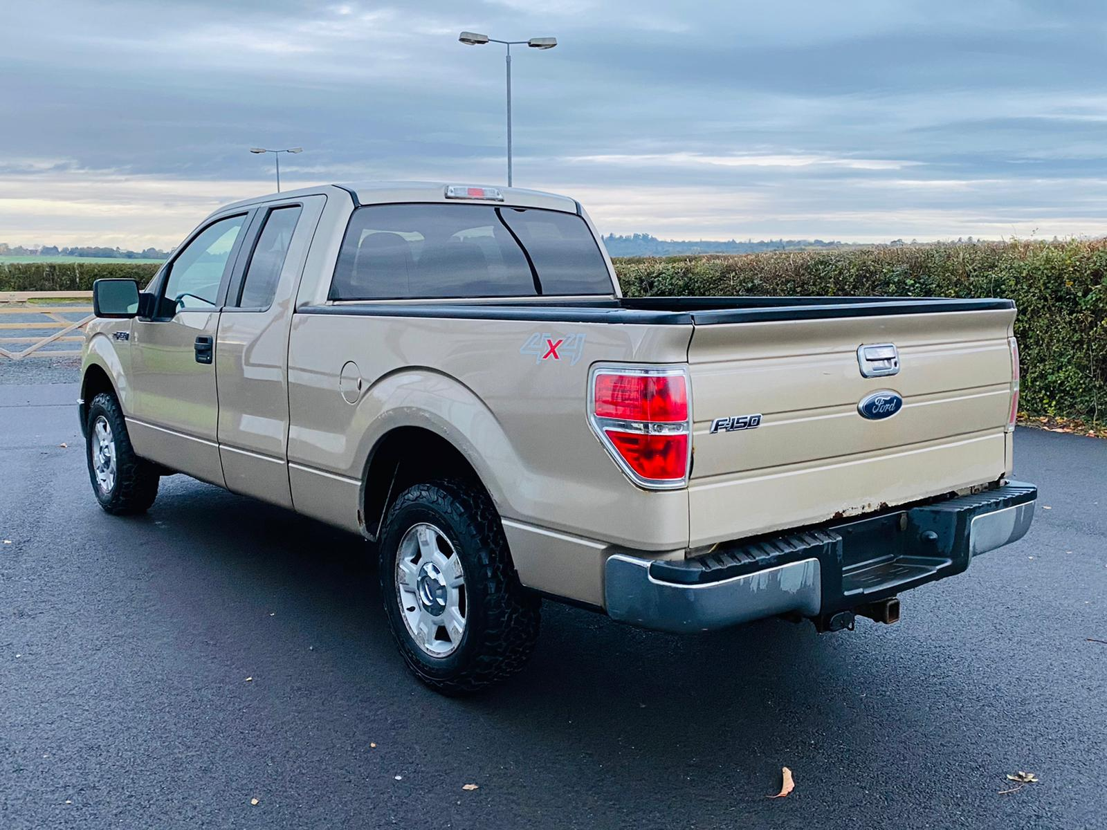 (RESERVE MET) Ford F-150 XLT 4.6L V8 Supercab - 2010 Year - 6 Seats - Fresh Imports - Image 14 of 39