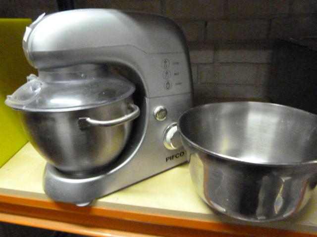 Lot 49 - *Domestic Mixer