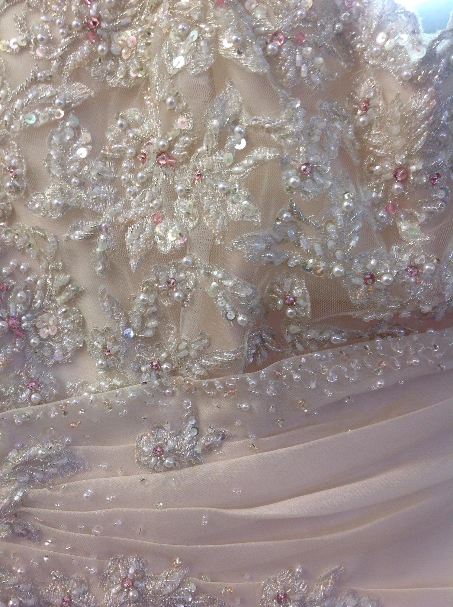 Lot 319 - (2) 4 x Wedding gown samples, total rrp £3621, Ronald Joyce x2, Maggie Sottero x1, Lilly Des x1