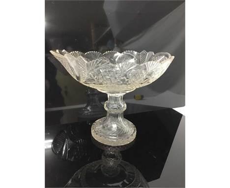 Good quality 19th century cut glass pedestal bowl with hollow stem, 21cm high