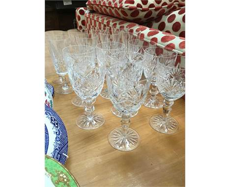Set of eight Edinburgh crystal champagne flutes, six crystal glass wines and two others (16)Condition report: All in good ord