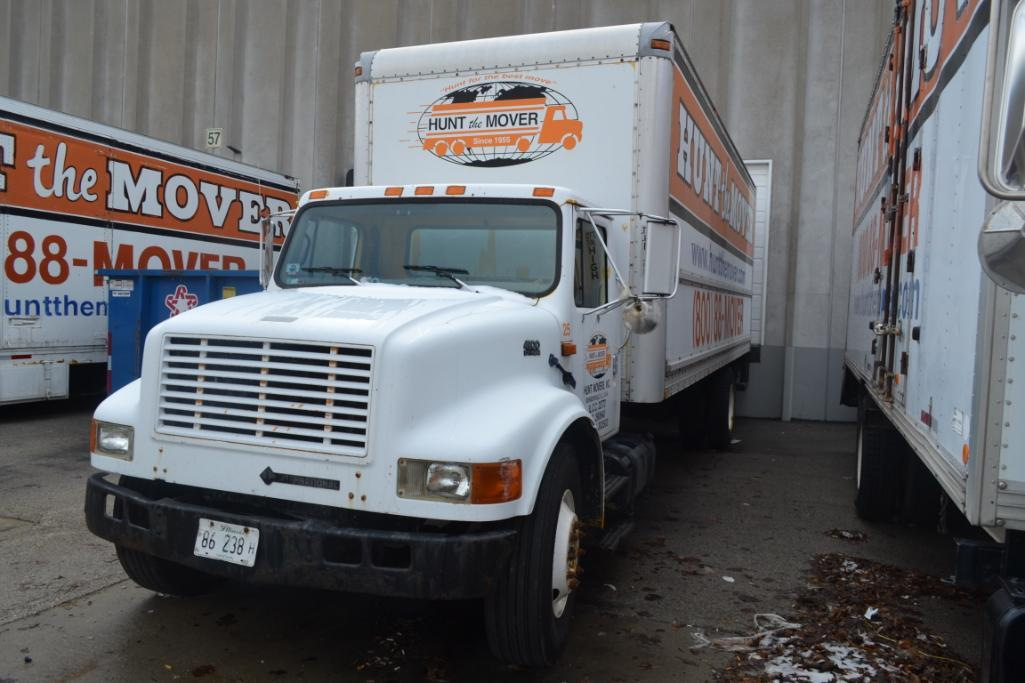 2001 International Single-Axle 26 ft. Box Moving Van Truck Model 4900 DT466E 4x2, VIN 1HTSDA9LX1H377 - Image 2 of 2