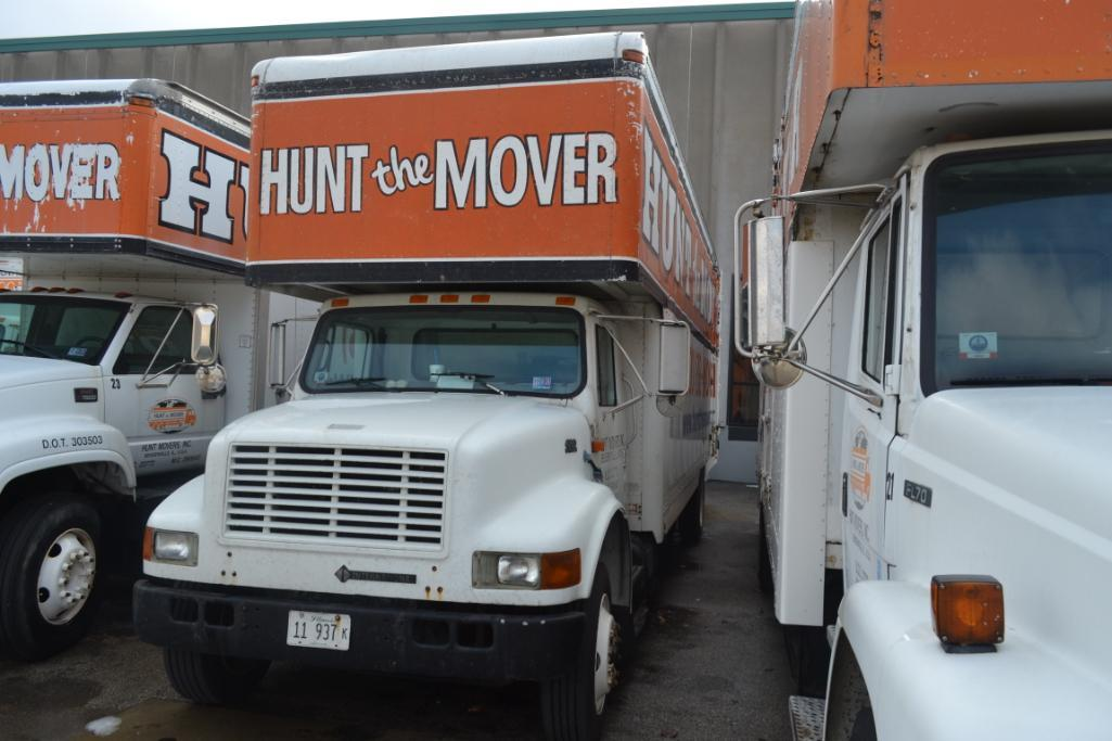1999 International Single-Axle 26 ft. Box Moving Van Truck Model 4700 DT466E, VIN 1HTSCAAN3XH595442, - Image 2 of 3