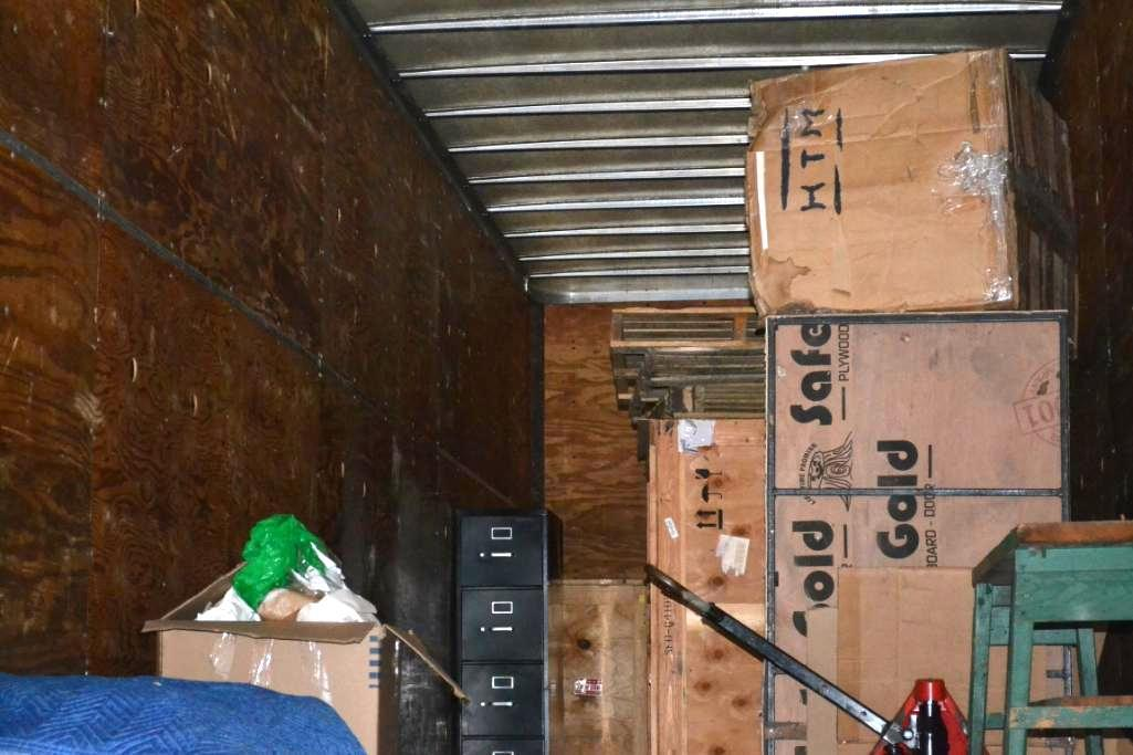 LOT: Contents Including Blankets, Ramp, Pallet Jack, Crates (in Lot 9 GD) - Image 2 of 4