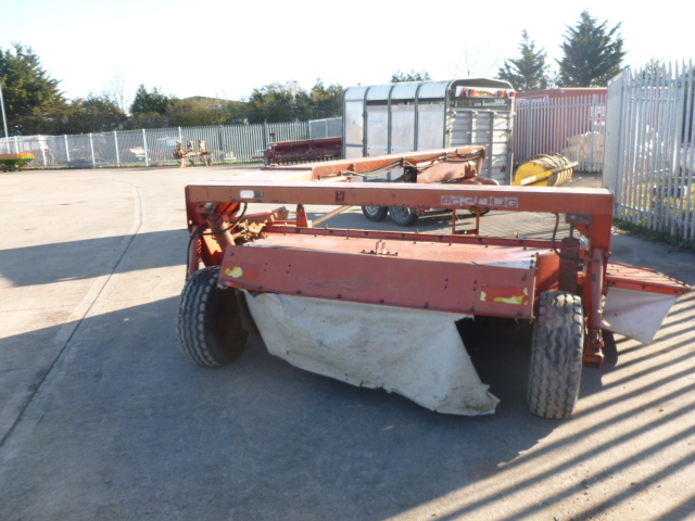 Lot 1322 - KUHN FC300G TRAILED MOWER CONDITIONER