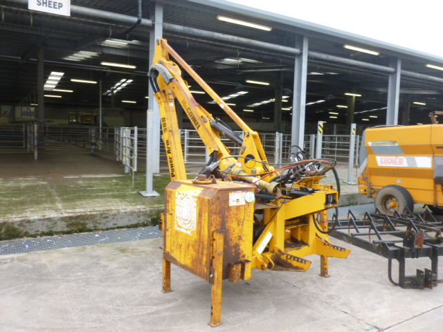 Lot 1132 - MCCONNELL PA 500 HEDGE CUTTER
