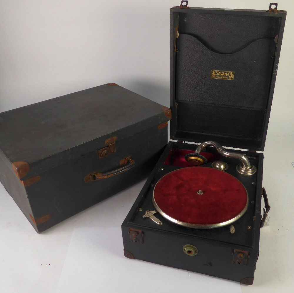 Lot 394 - SAVANA, EARLY TWENTIETH CENTURY SPRING DRIVEN TABLE TOP GRAMAPHONE OF CONVENTIONAL FORM, with Savana