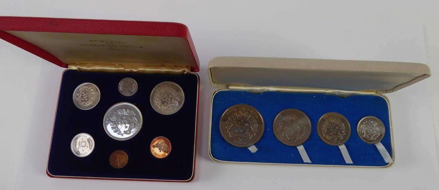 Lot 33 - UNCIRCULATED SEVEN COIN SET, MEMORIAL TO QUEEN SALOTE TUPOU III OF TONGA 1967, in plush lined and