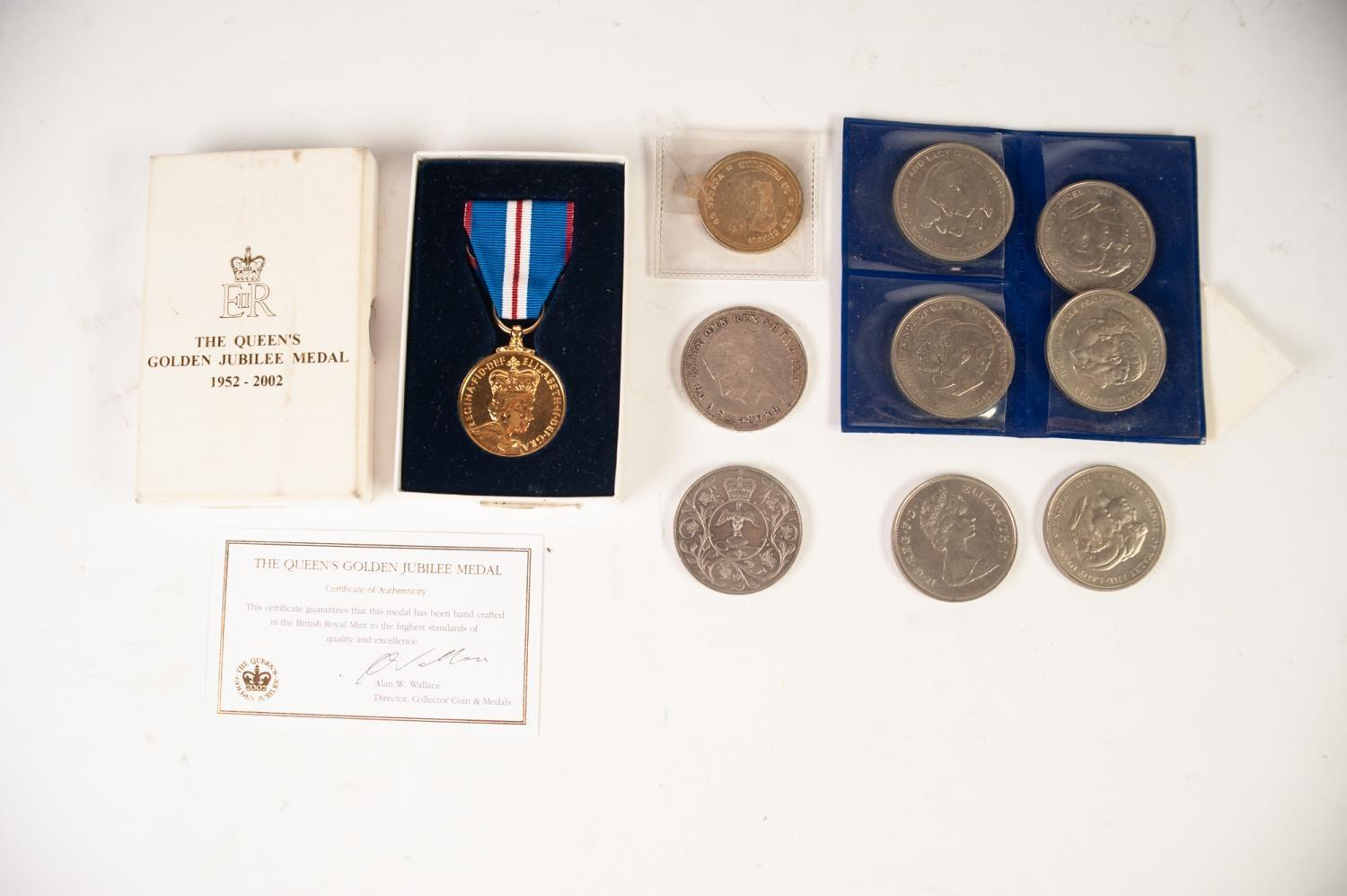Lot 18 - GEORGE V SILVER CROWN COIN 1935 (EF), TOGETHER WITH A SELECTION OF QUEEN ELIZABETH III CROWN AND