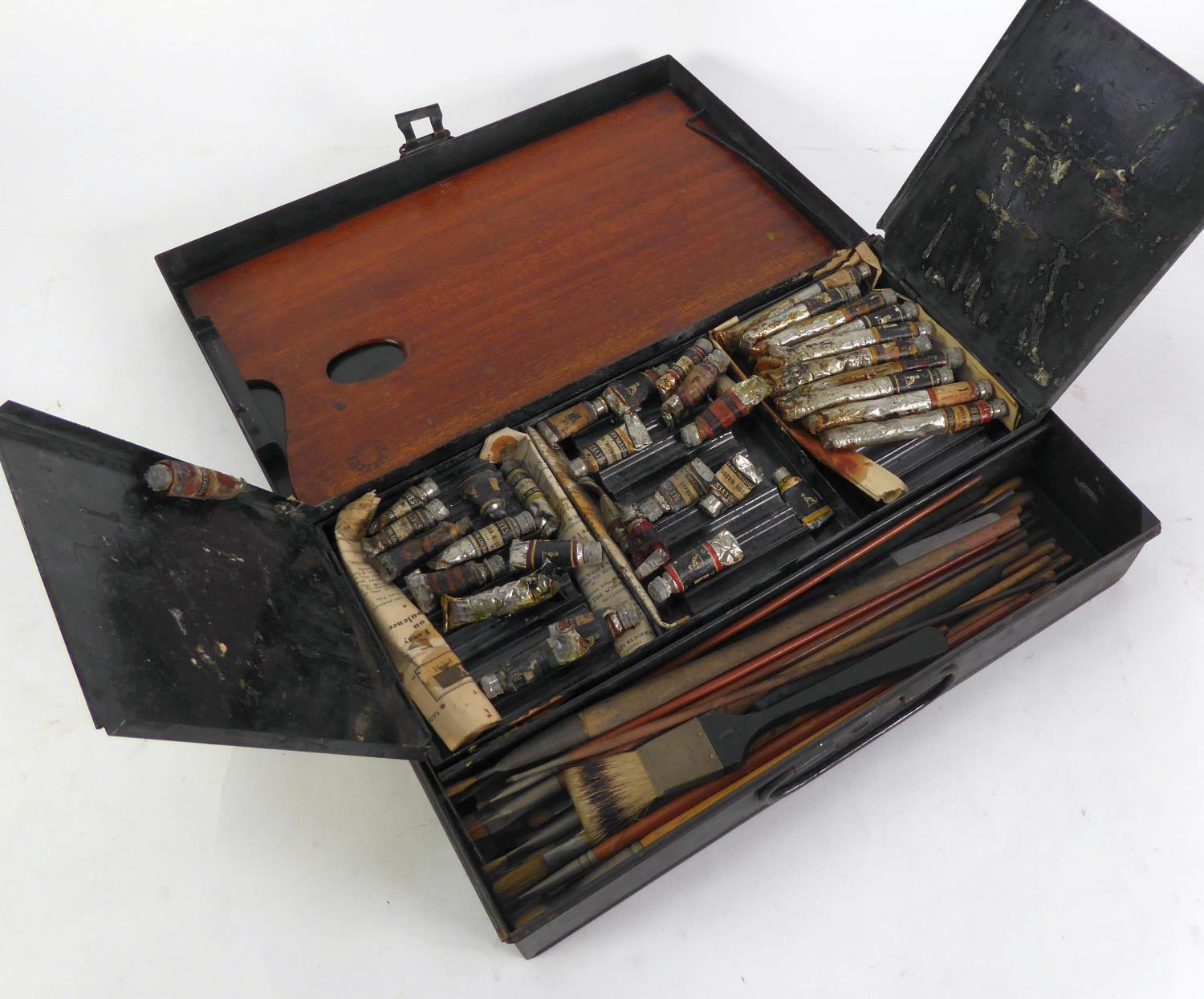 Lot 431 - REEVES AND SONS LTD. LONDON ARTISTS BLACK JAPANNED METAL PAINTS BOX, with mahogany palette