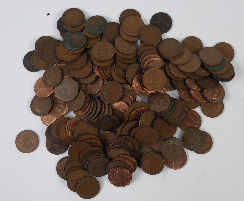 Lot 56 - 90 COPPER ONE PENNY COINS, Victoria to Elizabeth II pre decimal and 200 HALF PENY COPPER PRE DECIMAL