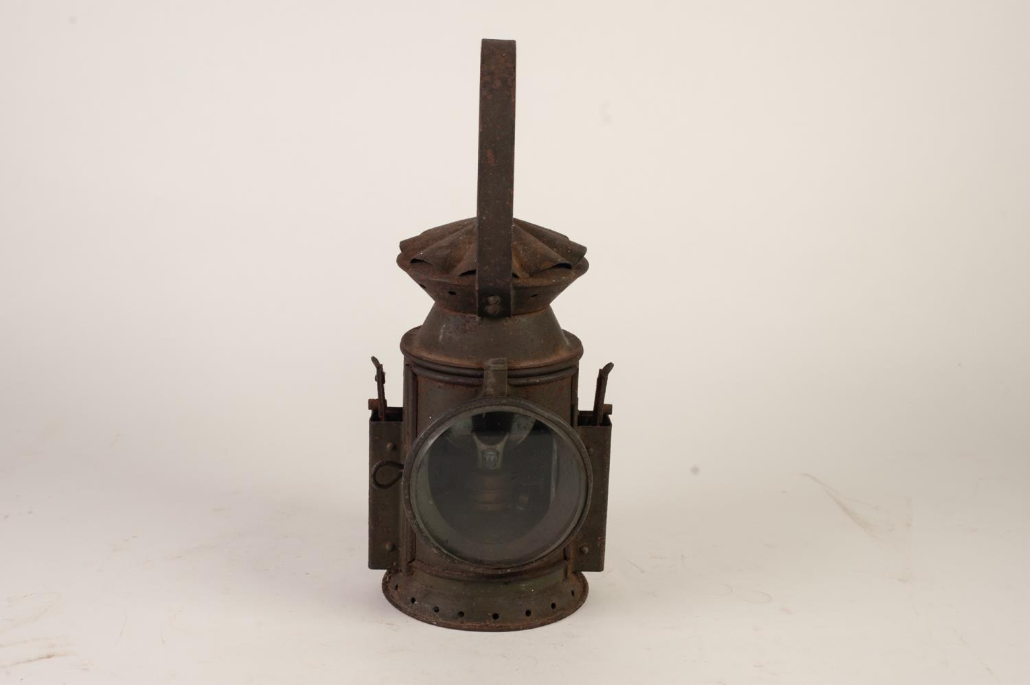 Lot 384 - PAINTED METAL RAILWAY LAMP, stamped C.E. AND S AND arrow mark 1956 JA 2348, plain lens side sprung