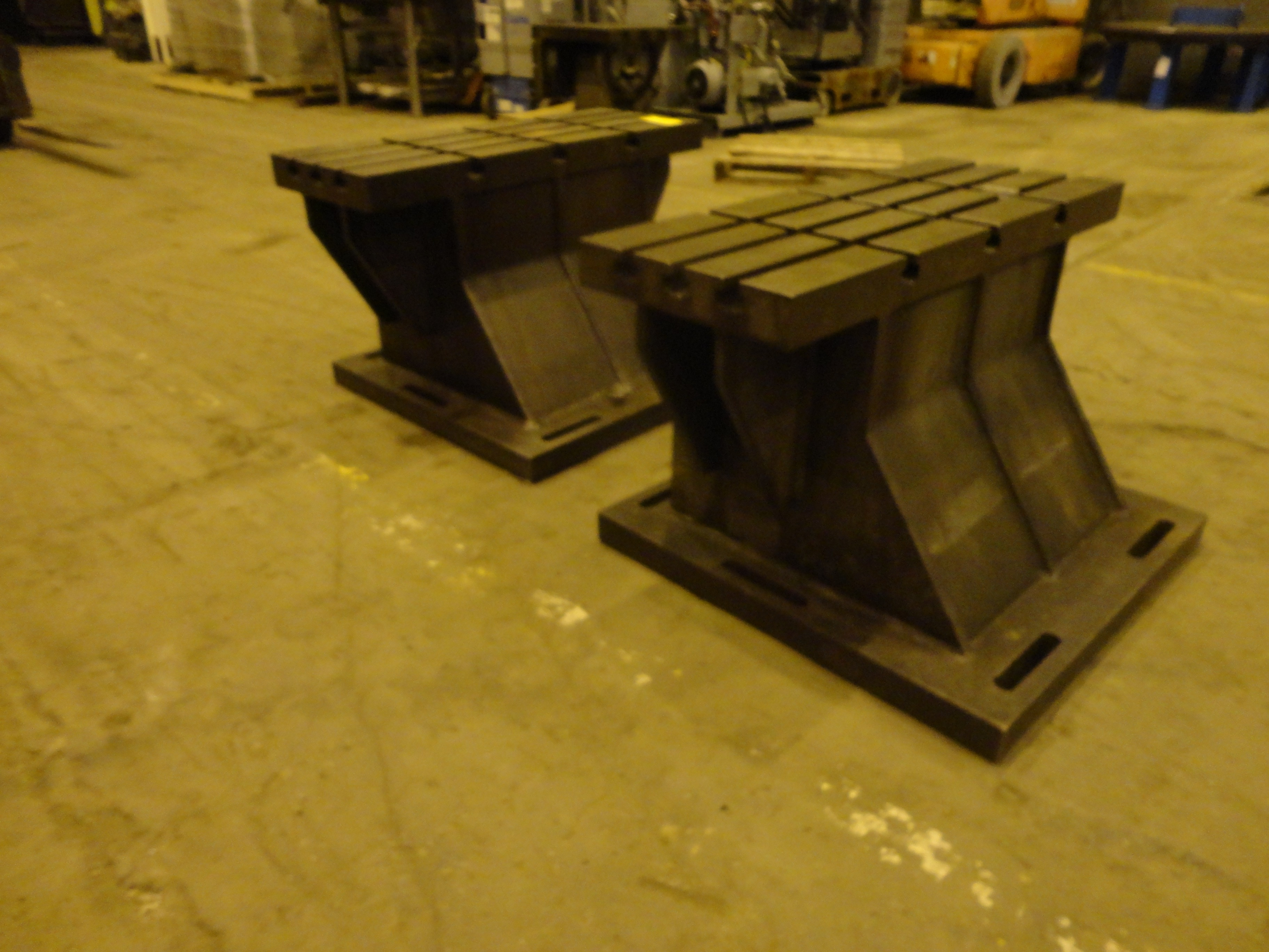 """Set of 2 T-Slotted Riser Blocks Knee Hold Down Plates 42""""L x 16"""" W x 25""""H - Image 5 of 13"""
