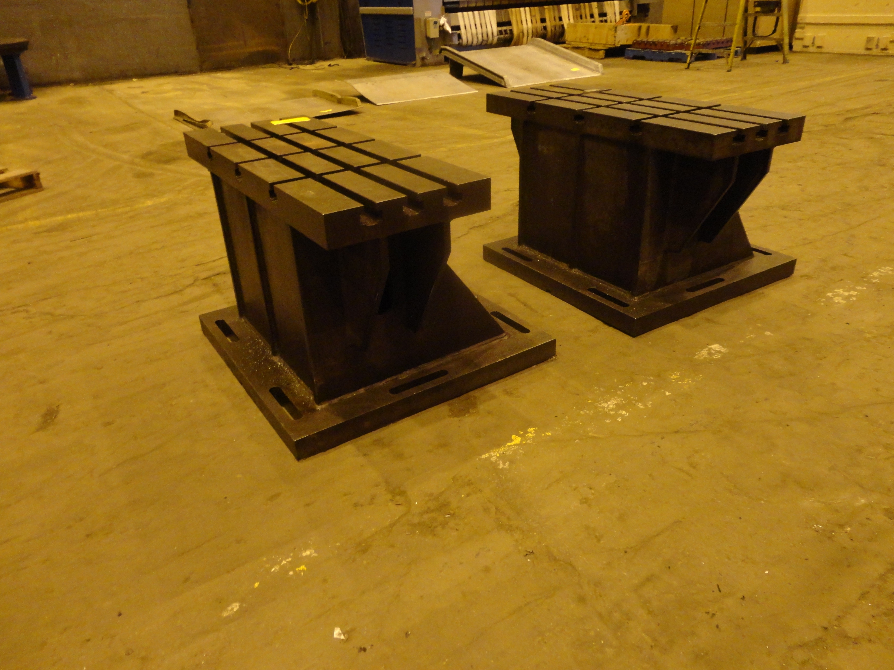 """Set of 2 T-Slotted Riser Blocks Knee Hold Down Plates 42""""L x 16"""" W x 25""""H - Image 2 of 13"""