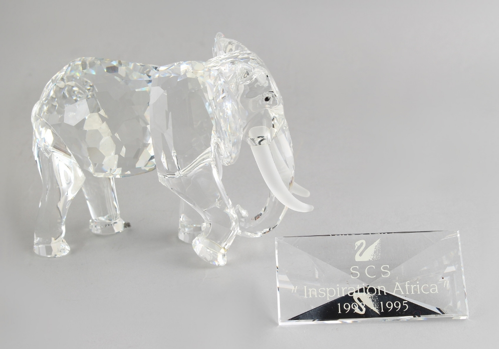 A private collection of Swarovski crystal glass - Elephant, the 1993 Annual Edition 'Inspiration - Image 2 of 2