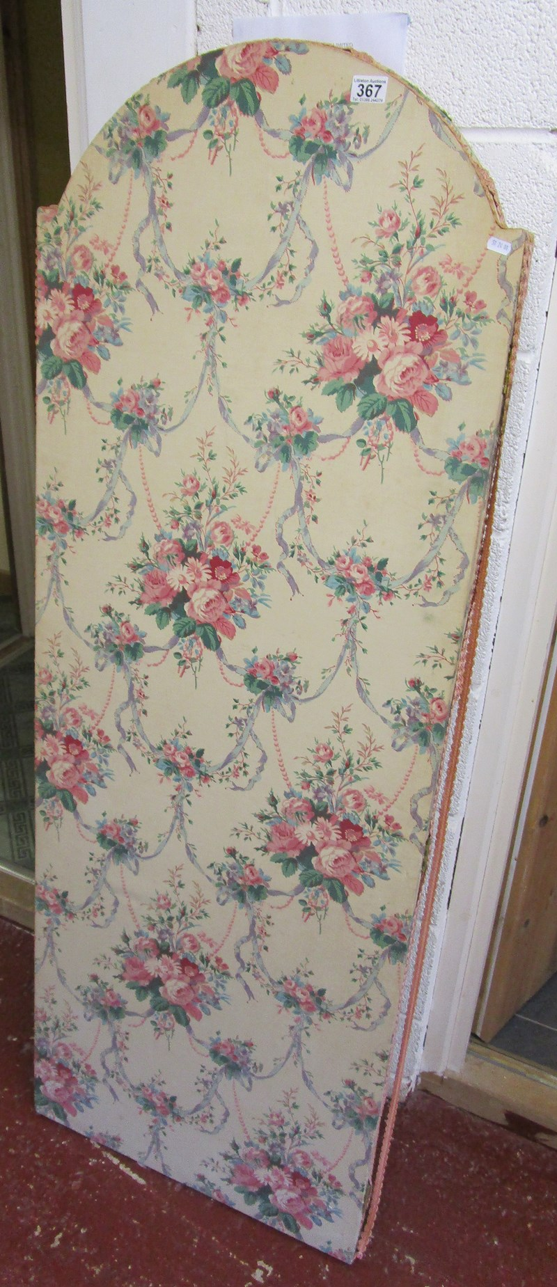Lot 367 - 3 fold screen