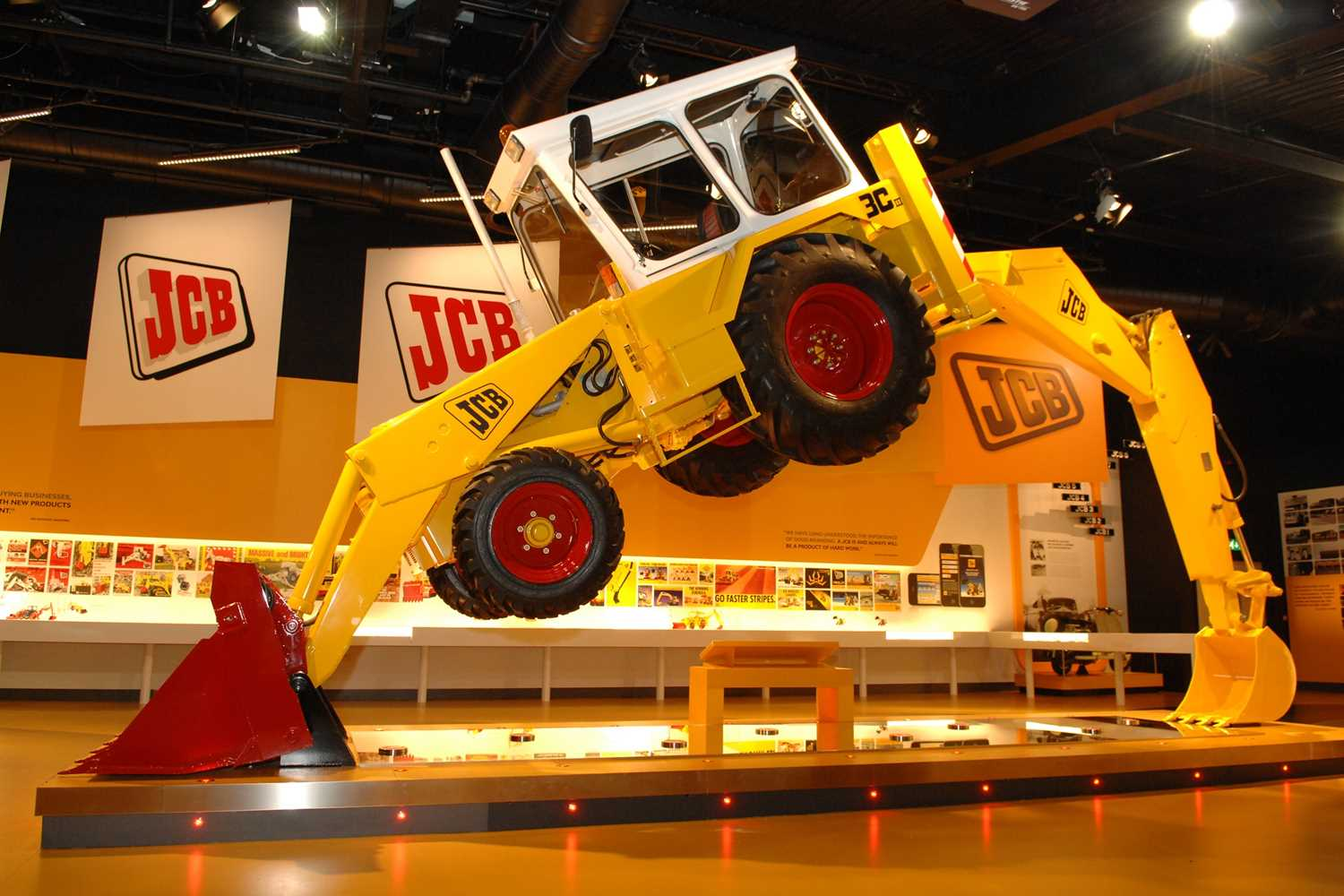 A VIP JCB Factory Tour for a Day with JCB's Managing Director, with a Delicious Organic Lunch for - Image 2 of 3