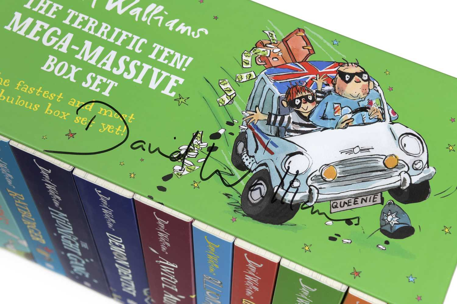 Signed David Walliams OBE Book Collection Each book in this collection is signed by the critically - Image 2 of 2
