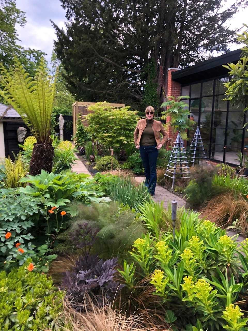 Garden Consultation by Janey Auchincloss As a multiple medal winner at RHS Chelsea Flower Show