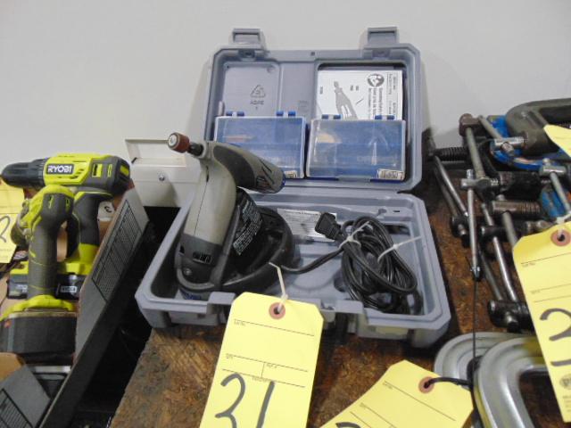 Lot 31 - ROTARY GRINDER, DREMEL, battery pwrd.