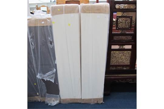 A new plastic wrapped divan bed base with fittings w5 for 90 x 200 divan base