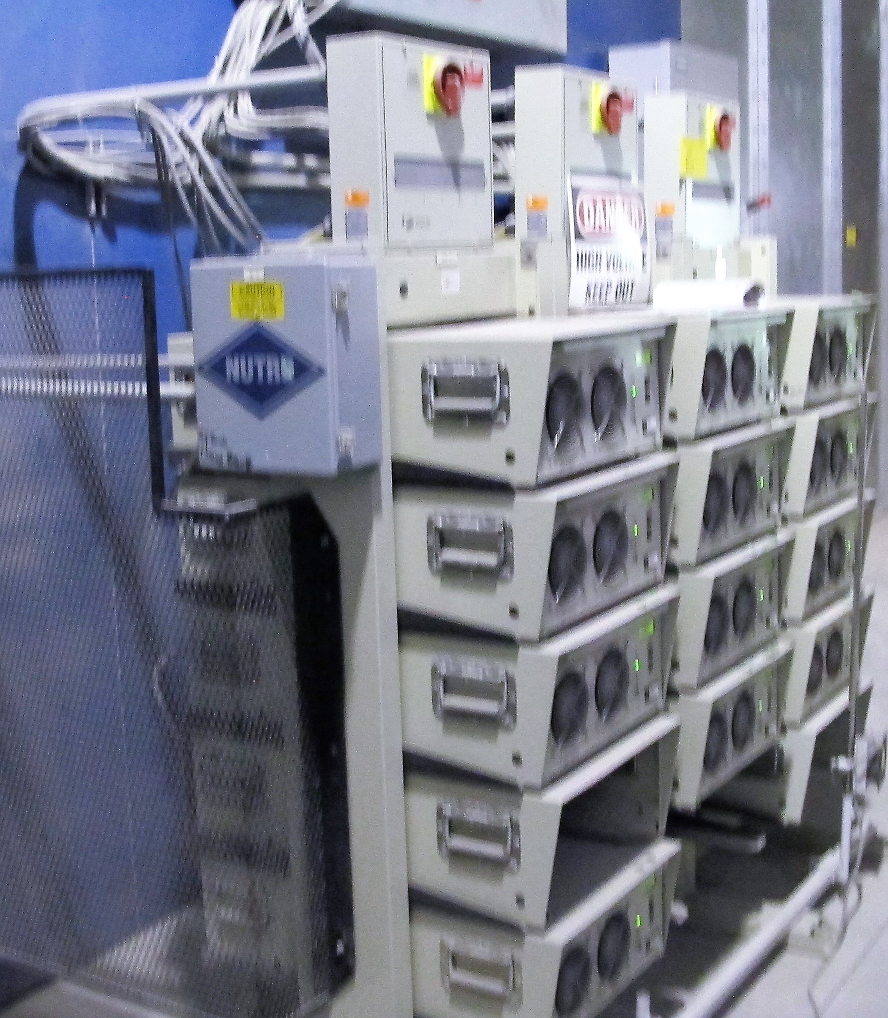 Lot 6A - UV LIGHTING CHAMBER W/ WALL PANELS, FUSION UV SYSTEMS P600M POWER SUPPLIES POWER RACK