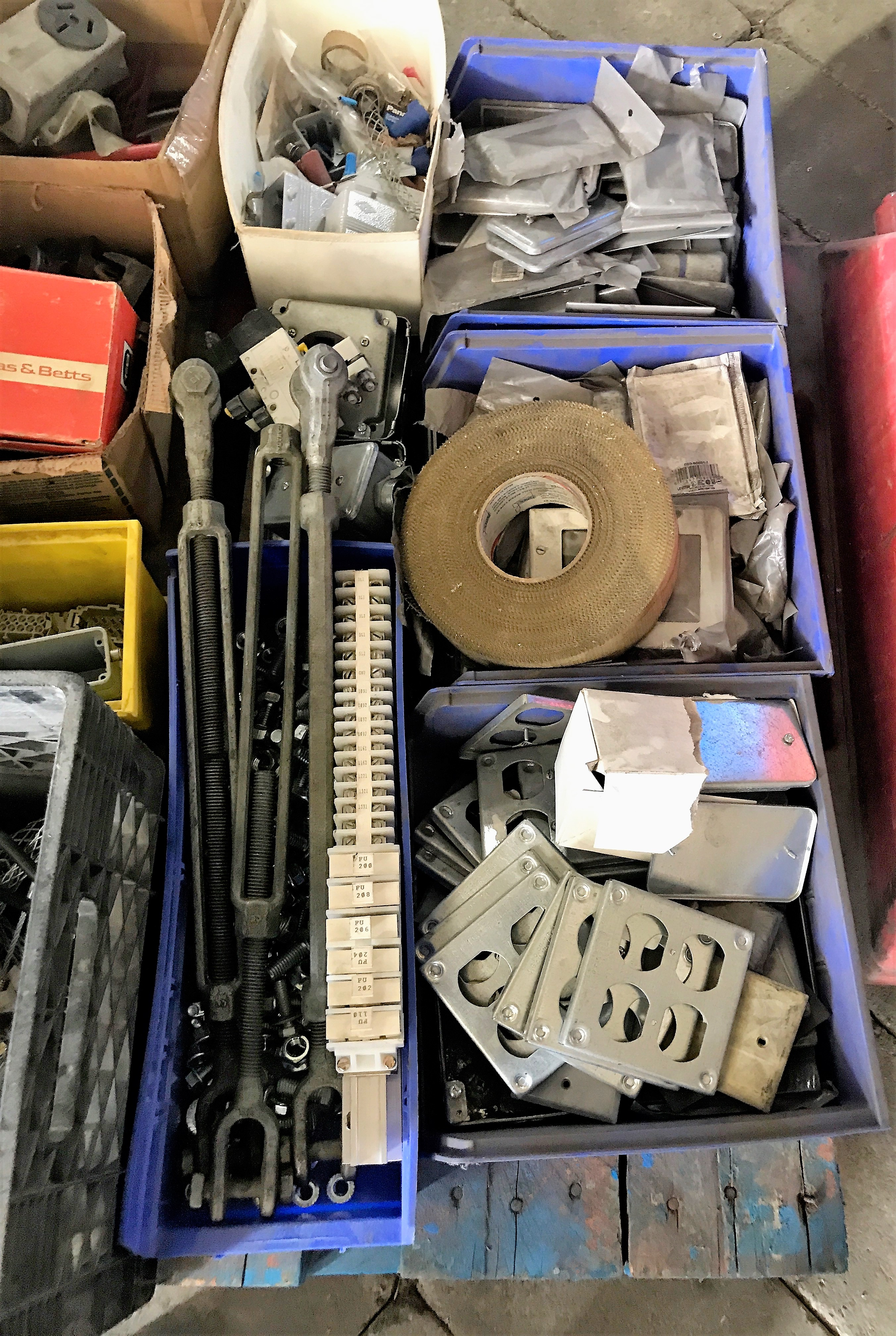 Lot 51 - LARGE LOT OF ELECTRICAL SUPPLIES AND CABINETS INCLUDING PLUGS, LUGS, SUBMERSIBLE PUMP, ETC.