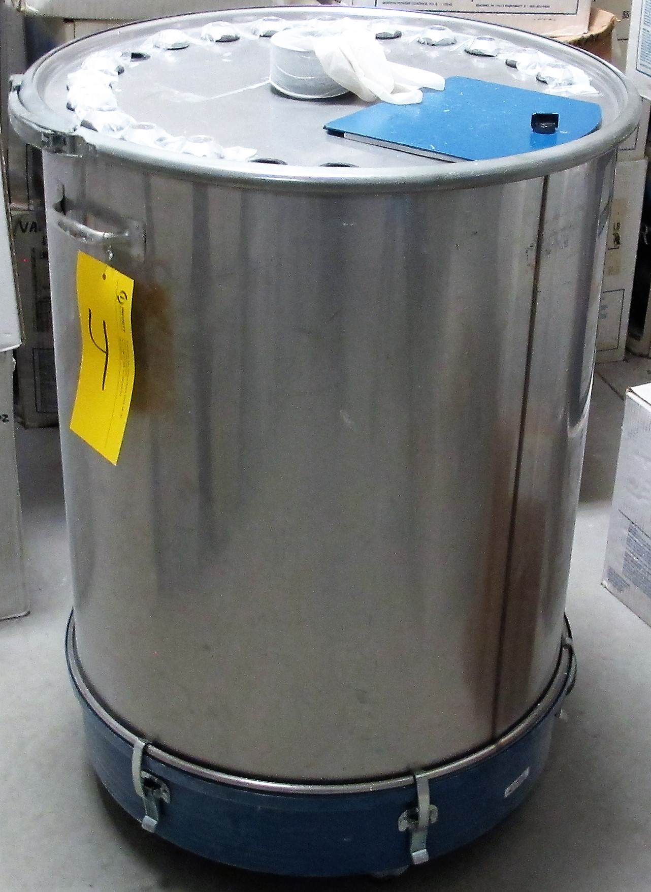 Lot 4 - LOT OF (3) NORDSON STAINLESS STEEL PORTABLE PAINT MIXING TANKS (SUBJECT TO BULK BID)