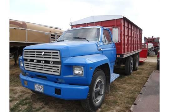 1980 ford grain truck 16 5 knapheide bed hoist tarp cargo doors rh bidspotter com 1980 ford farm truck 1952 Ford Flatbed Truck
