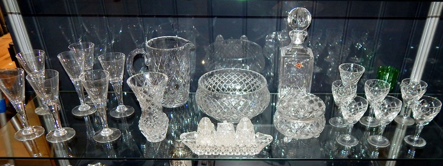 Lot 7 - A Mixed Quantity Of Glass And Crystal.